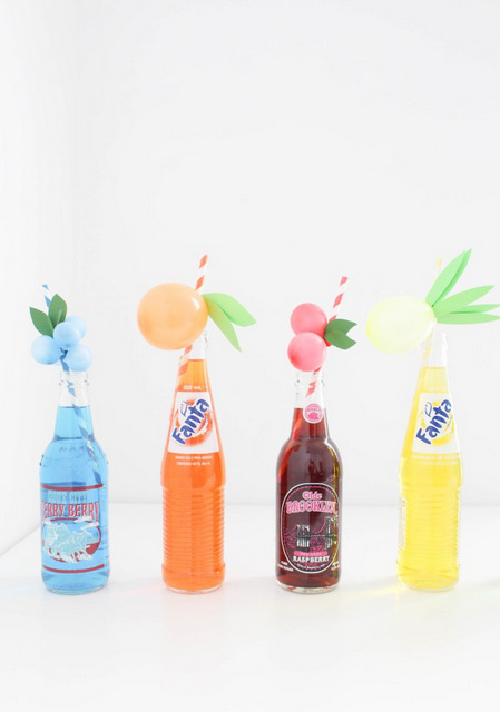 Sweet-and-colorful-fruit-balloon-straws-for-your-summer-parties-Lemons-limes-pineapples-strawberries-cherries-peach-orange-grapes-blueberries-via-A-Joyful-Riot-33