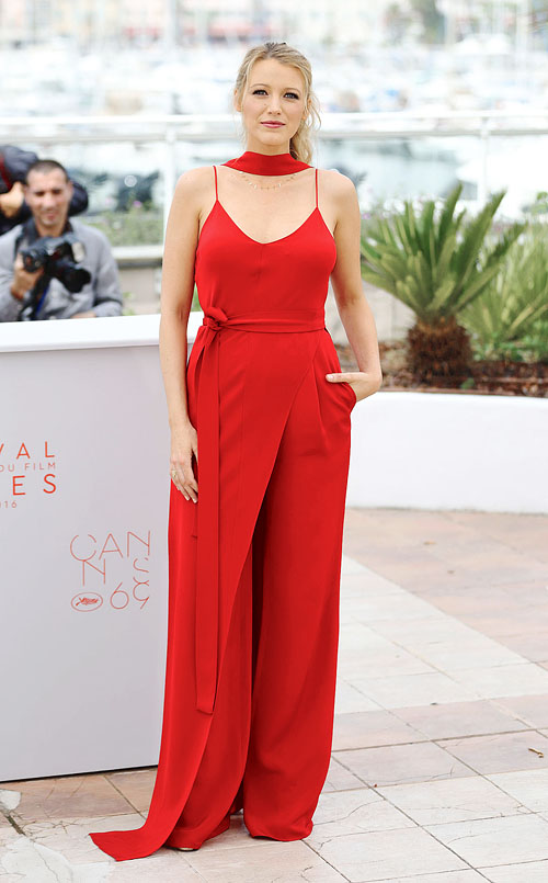 CANNES, FRANCE - MAY 11: Blake Lively attends the 'Cafe Society' Photocall during The 69th Annual Cannes Film Festival on May 11, 2016 in Cannes, France. (Photo by Mike Marsland/Mike Marsland/WireImage)